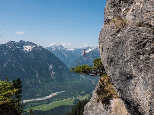 moritz-hamberger_slackline-skifahren-design_P1022522 510x382_Alpine Highline Oberammergau